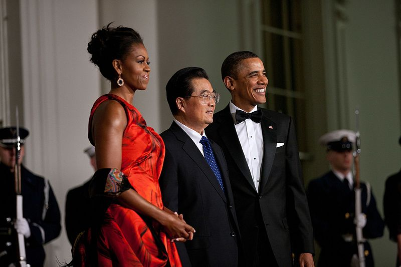Barack_and_Michelle_Obama_welcome_President_Hu_Jintao_of_China,_2011