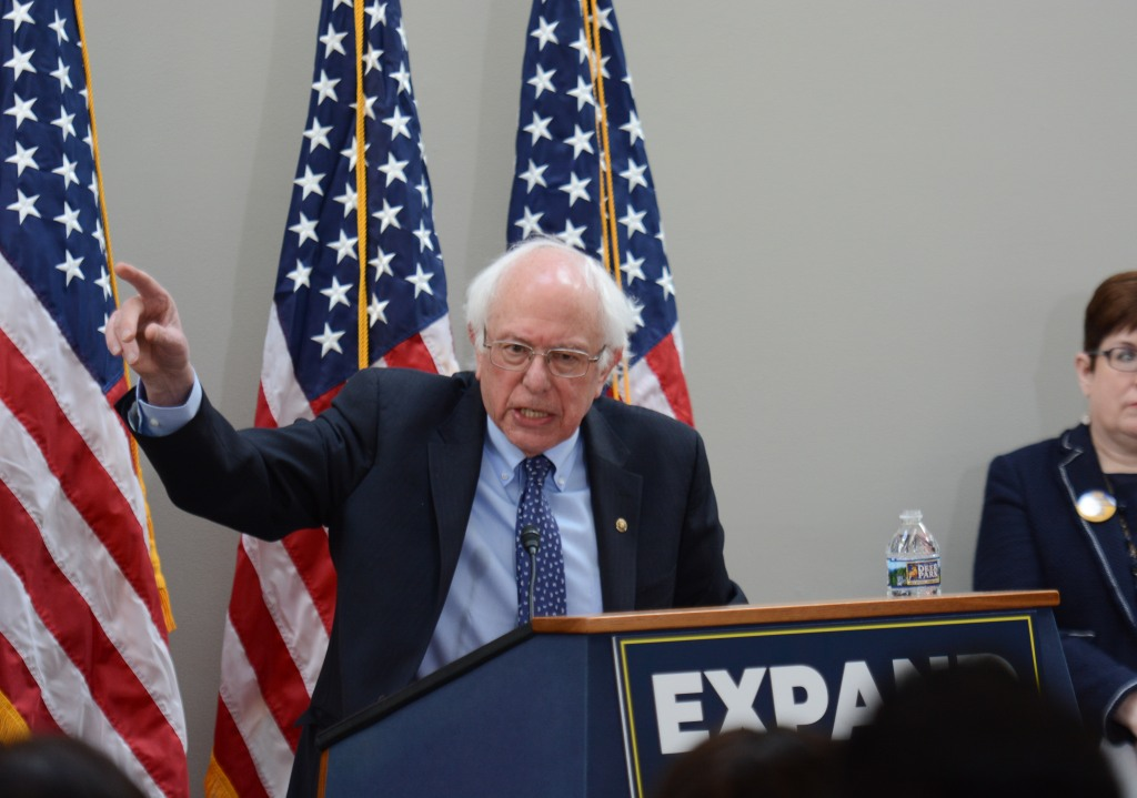 Bernie_Sanders_at_AFGE_event